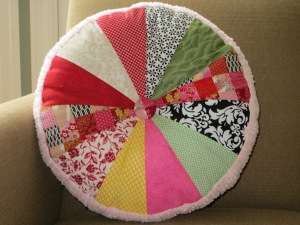 sprocket pillow w/chenille--front